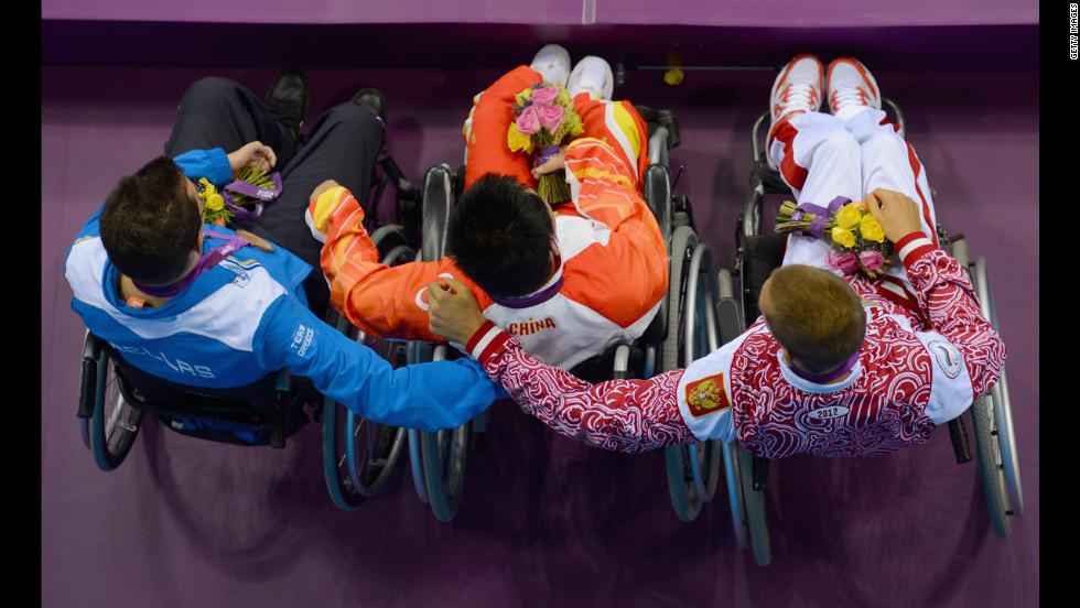 знакомство инвалидов фото 2012