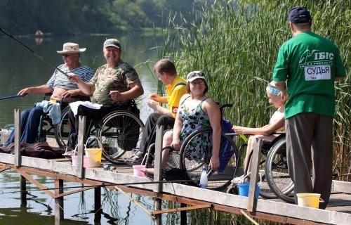 рыбалка на инвалидной коляске